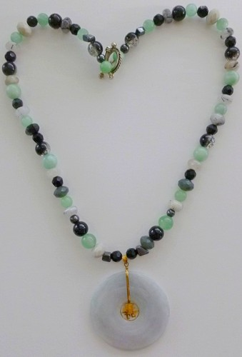 jade Pi pendant, aventurine, jets, 25 '