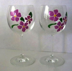 Handpainted glasses: pre-wedding dinner party favors